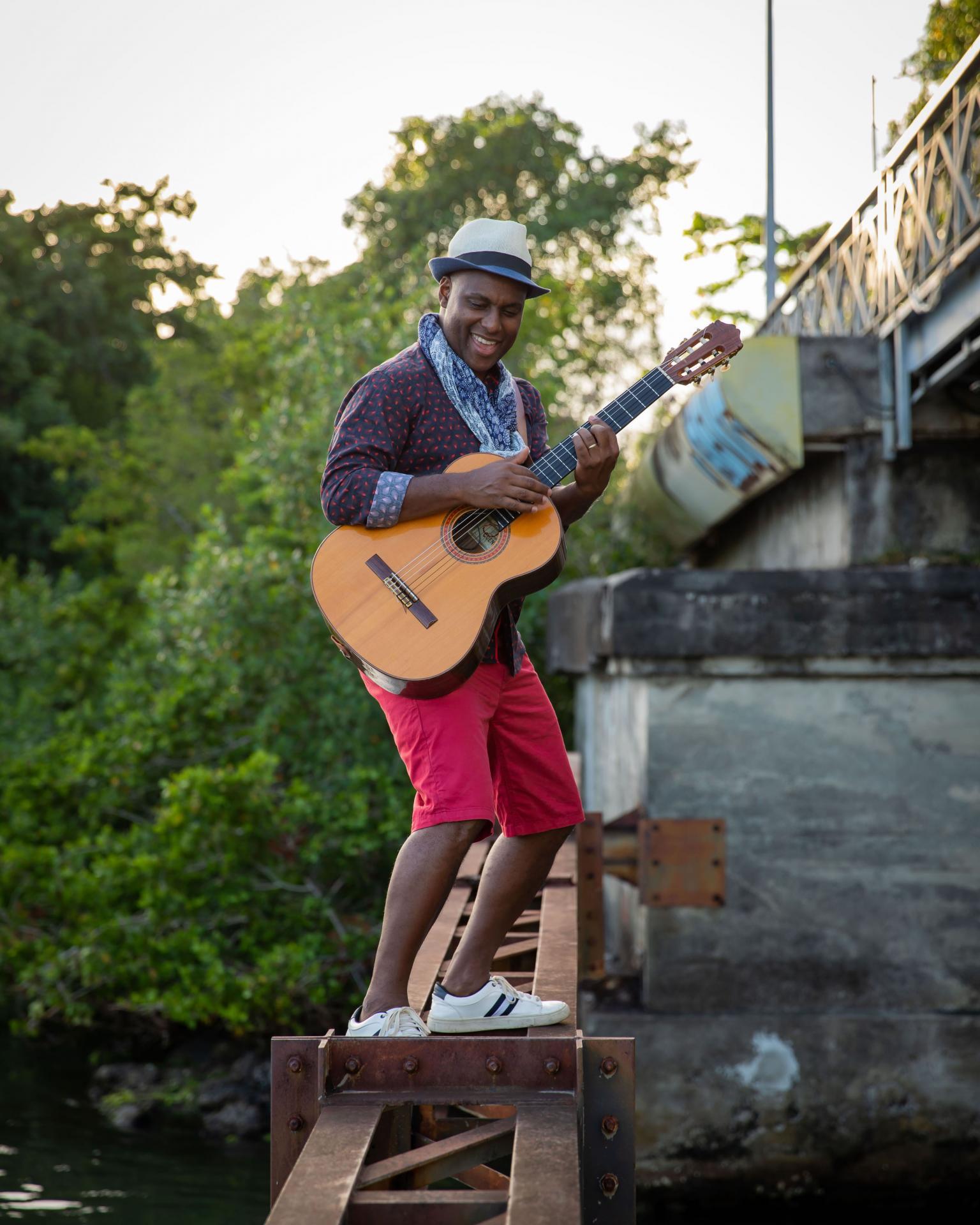 Guitare cote sous le pont